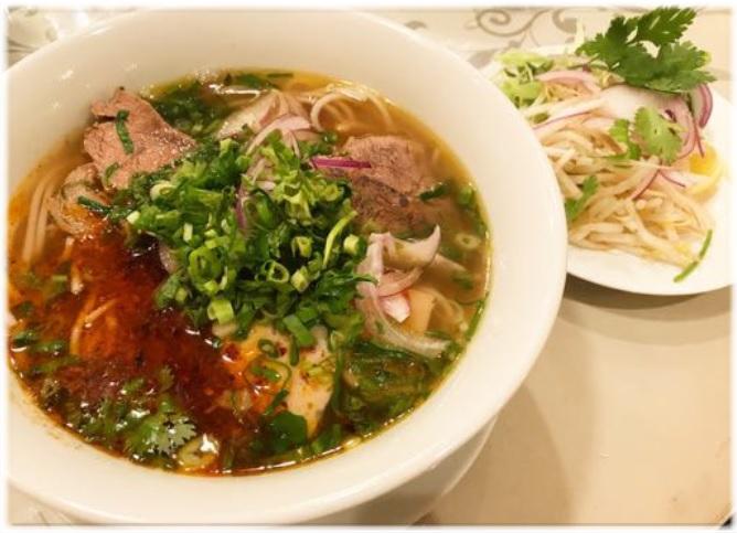 ベトナム料理 THITHI !!